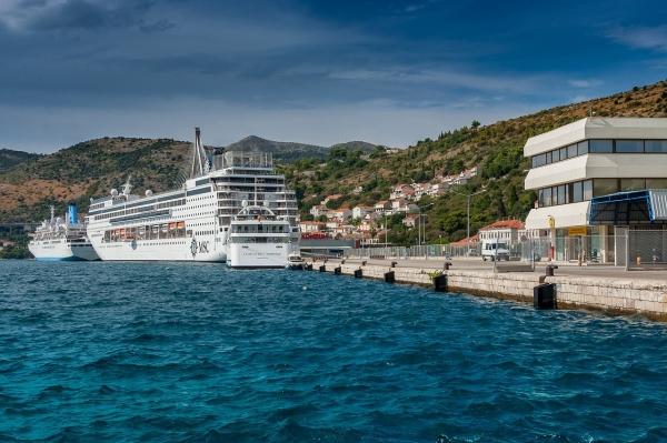 С 2019 года Дубровник будет принимать не более двух лайнеров в день!