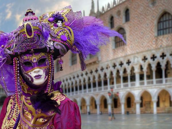 В Венеции стартует карнавал