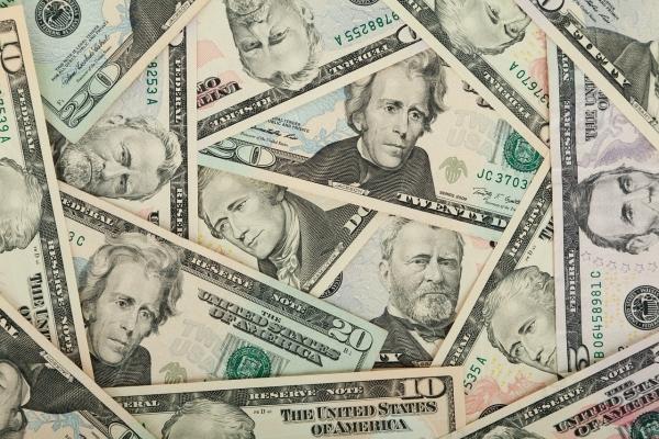 Россияне потратили более 20 млрд рублей за границей!